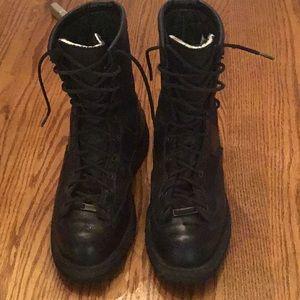 Men's Danner Vibram duty boots black size 10.